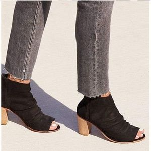 Free People Clearwater Leather Ankle Bootie 39